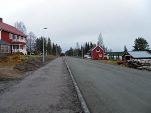 Gångväg och lokalgata